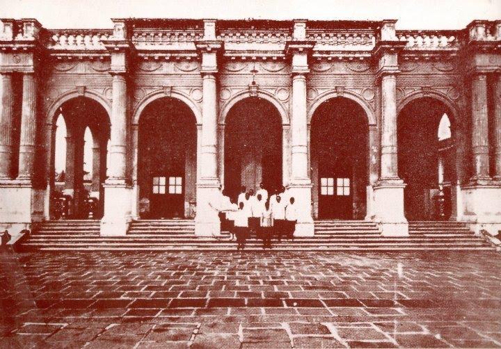 https://sites.google.com/a/hi-supervisory5.net/npt2/theskal/phiphith/National-Museum-Bangkok-1.jpg